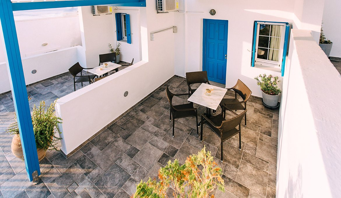 4 Bed Studio with Sea View No 1